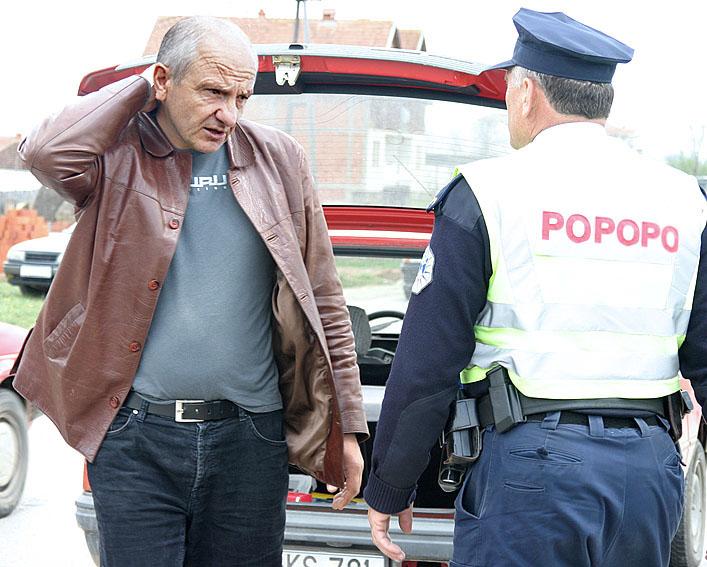 Nuk eshte e vertet qe Qeveria po ju shet pasurin e Kosoves, te huajve! Plot sene edhe po ju fale.